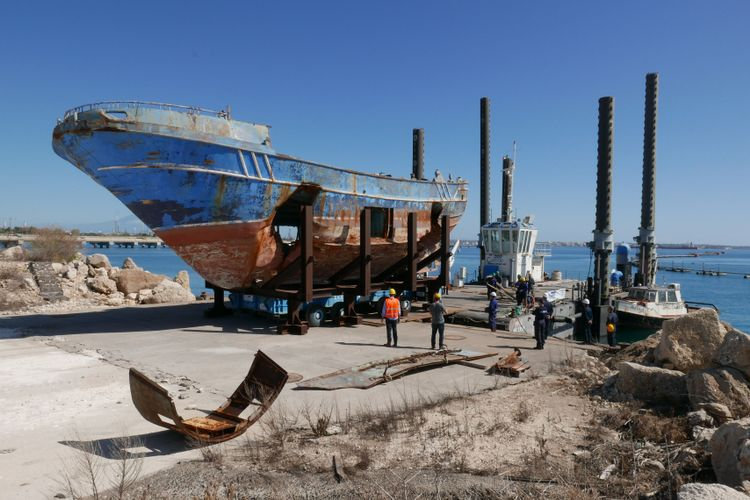Deadly boat that sank with hundreds of migrants on board becomes work of art at Venice Biennale