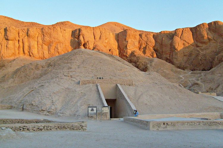 Possible unmapped chambers discovered near Tutankhamun's tomb