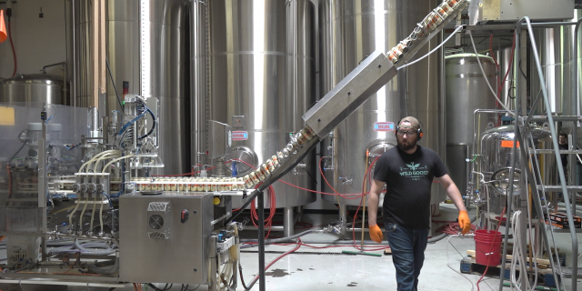 Canning process at Huss Brewing