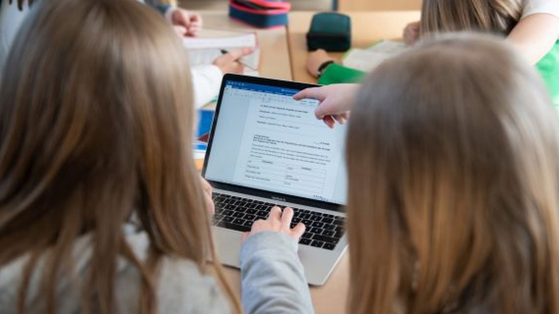 There are ways to protect your children from harm online. (Getty Images)