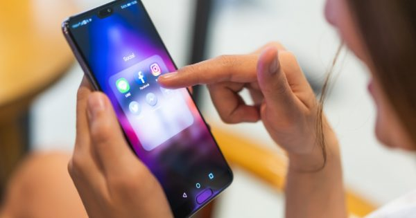 Huawei Can No Longer Pre-Install Facebook's Family of Apps on Its Smartphones – Adweek
