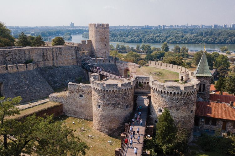 Planned cable car attraction over Belgrade historic fortress 'should be suspended'