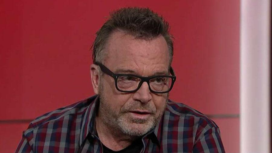 Tom Arnold gets political after accepting gay pride award, urgers anti-Trumpers to support Pelosi