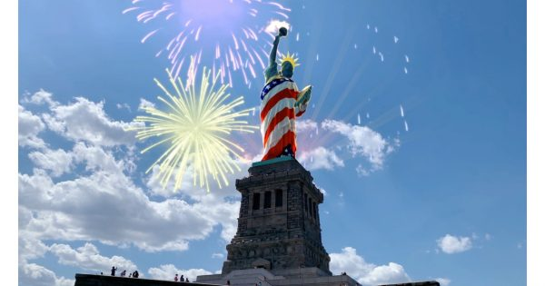 A New Snapchat Landmarker Lens Gives the Statue of Liberty July 4 Flair – Adweek