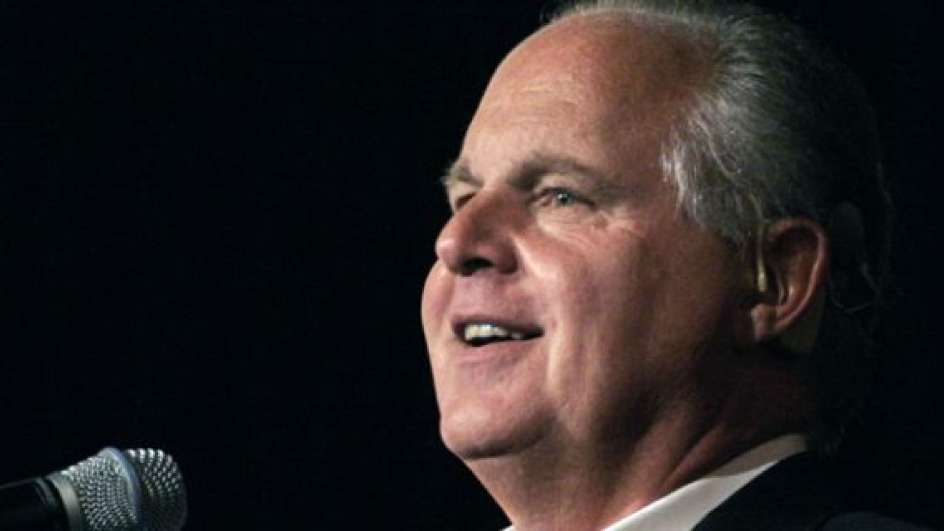 Radio talk show host and conservative commentator Rush Limbaugh speaks in Novi, Michigan. (Photo by Bill Pugliano/Getty Images)