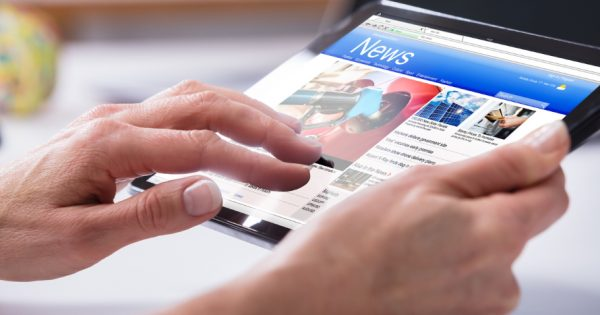 Facebook Is Developing a News Tab and Hiring Journalists to Curate the Top News Section – Adweek