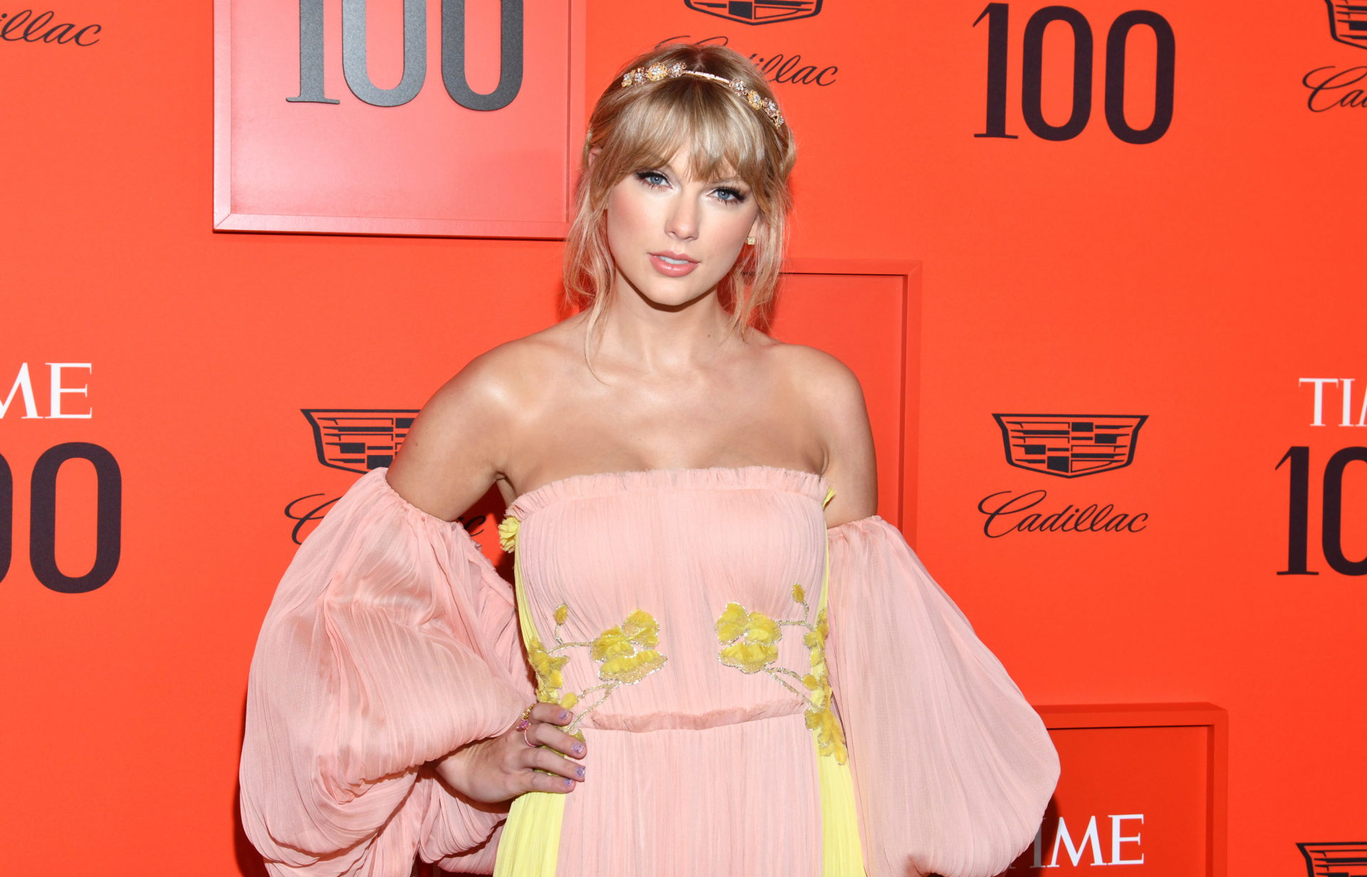 Taylor Swift says she 'absolutely' plans to re-record her songs