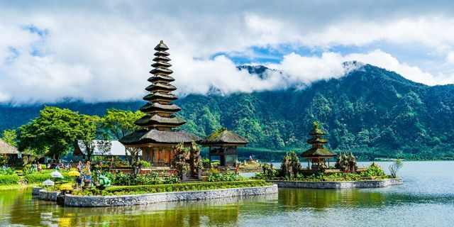 An external shot of a temple on theBeratan lake in Bali.