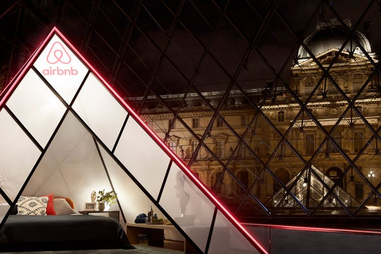 Bad bedfellows? French politician blasts Louvre over partnership with Airbnb