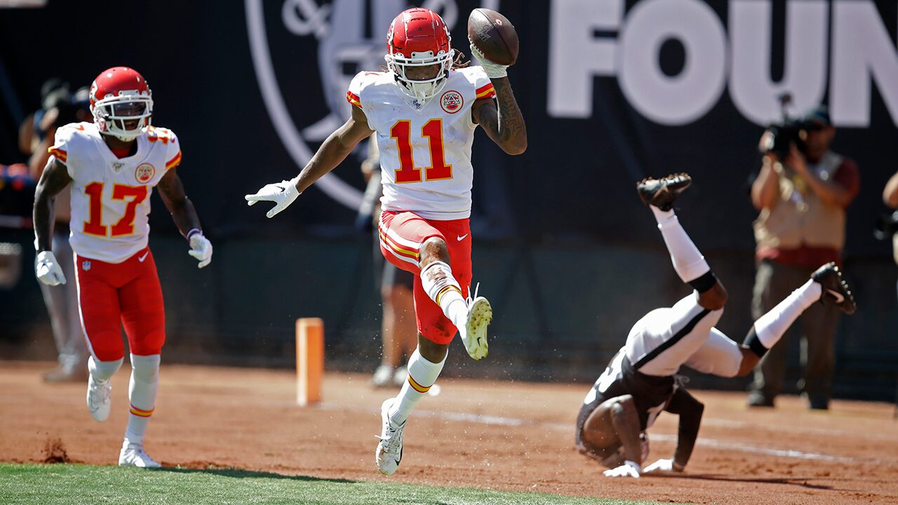 Chiefs' Demarcus Robinson steps up in Tyreek Hill's absence