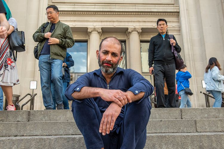Drawing, singing, sleeping, eating, changing costumes: Nikhil Chopra's nine-day campout at the Met