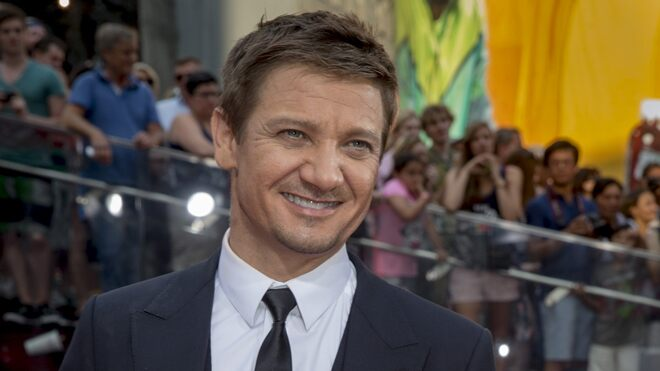 Jeremy Renner debuts Amazon 'storefront' after shutting down his app due to trolls