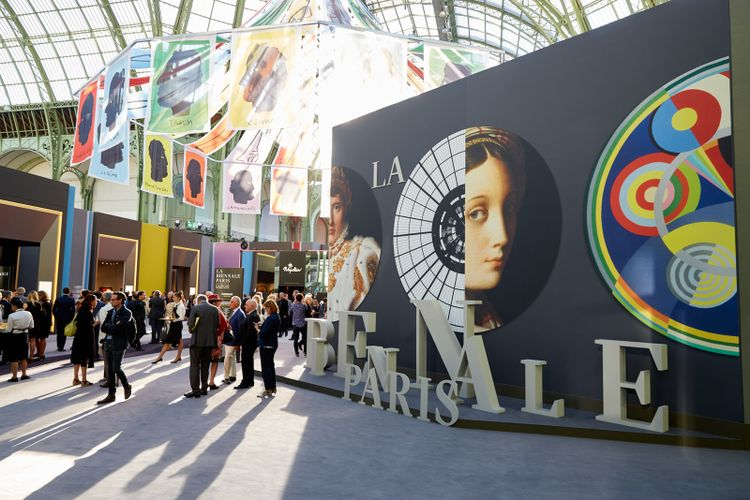 Paris fair struggles to move on from forged furniture fiasco
