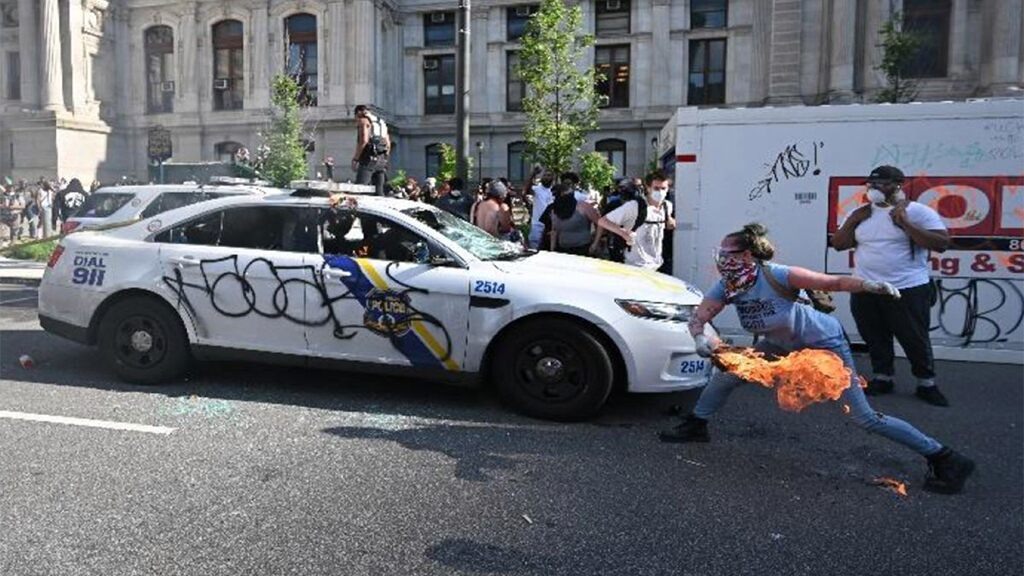 Philadelphia police-car torching suspect nabbed by FBI thanks to Etsy page