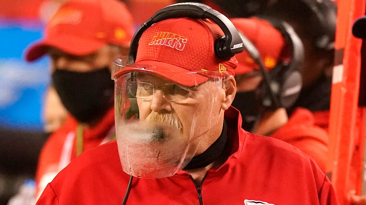 Chiefs' Andy Reid on foggy face shield: 'That was brutal'