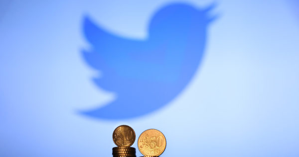 Twitter Reports Huge Revenue Gains As User Growth Stalls