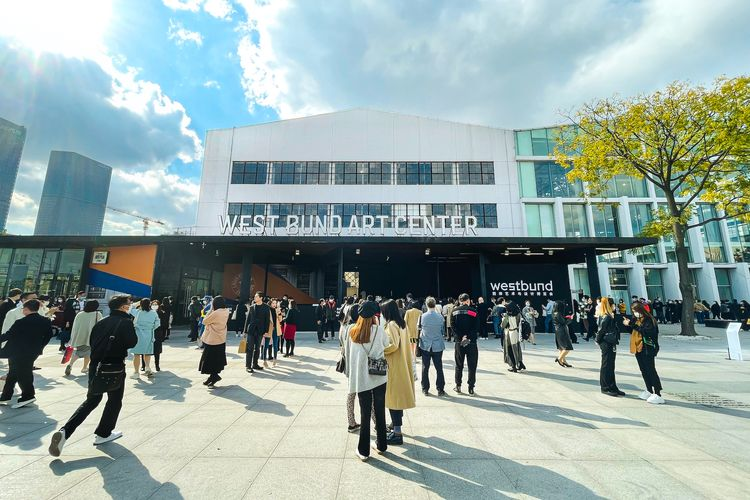 'Dealers are smiling under their masks': Shanghai art week pulls in art-starved collectors