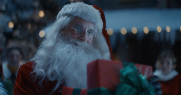 Steve Carell's Santa Finds Holiday Joy in Ad for Xfinity