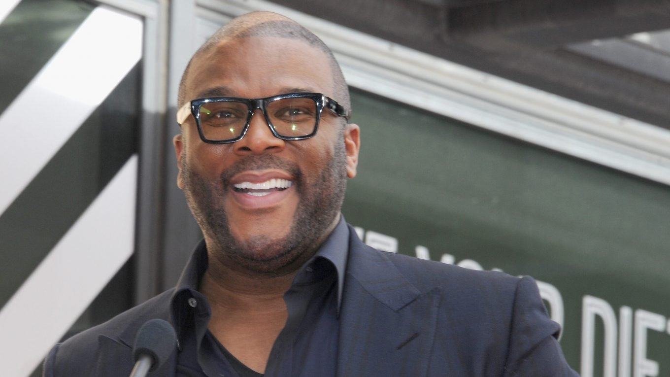 Tyler Perry donates food, gift cards to 5,000 families ahead of Thanksgiving, leading to miles-long lines