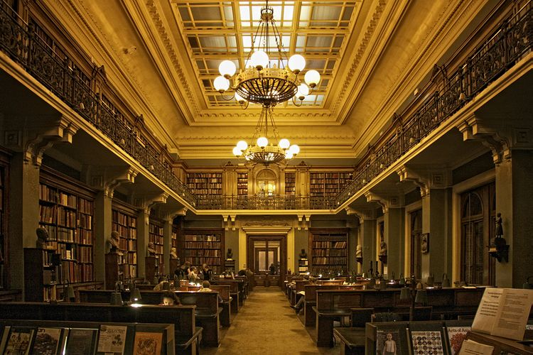 Victoria and Albert Museum backtracks on plans to cut its National Art Library staff
