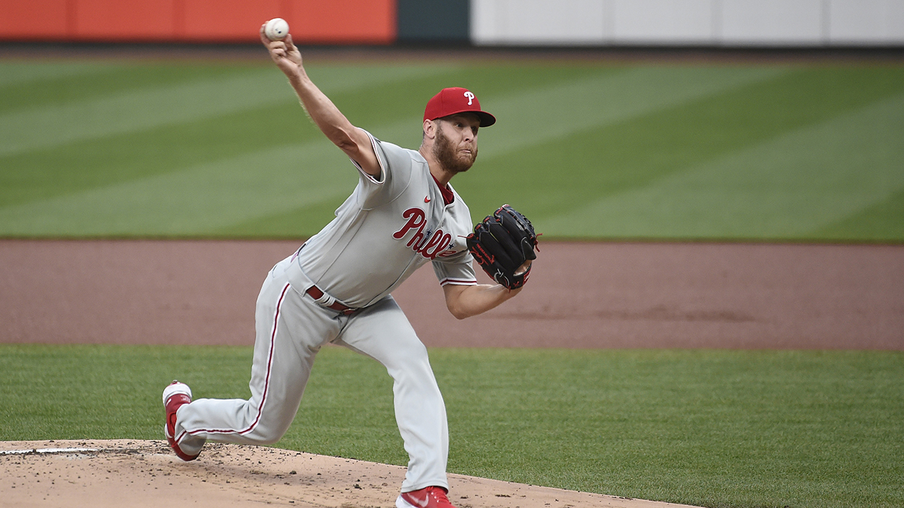 Wheeler takes 1-hitter into 9th as Phillies deck Cards 2-1