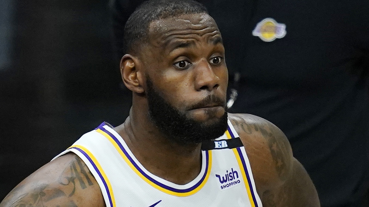 LeBron James avoids question on violating NBA's health and safety protocols after loss to Suns