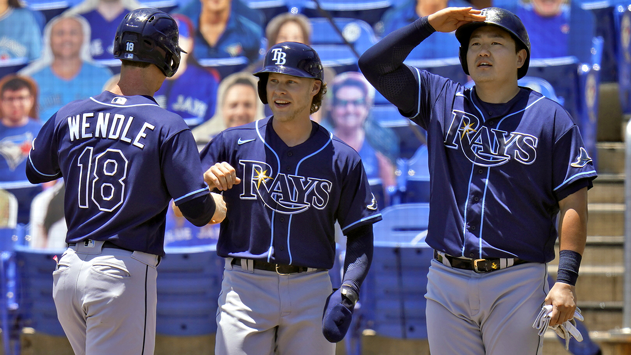 Rays win 11th in a row, score 7 in 11th to beat Toronto 14-8