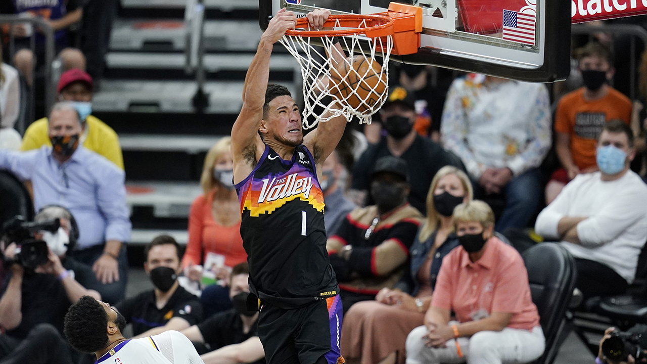 Suns win in return to playoffs, beating Lakers 99-90