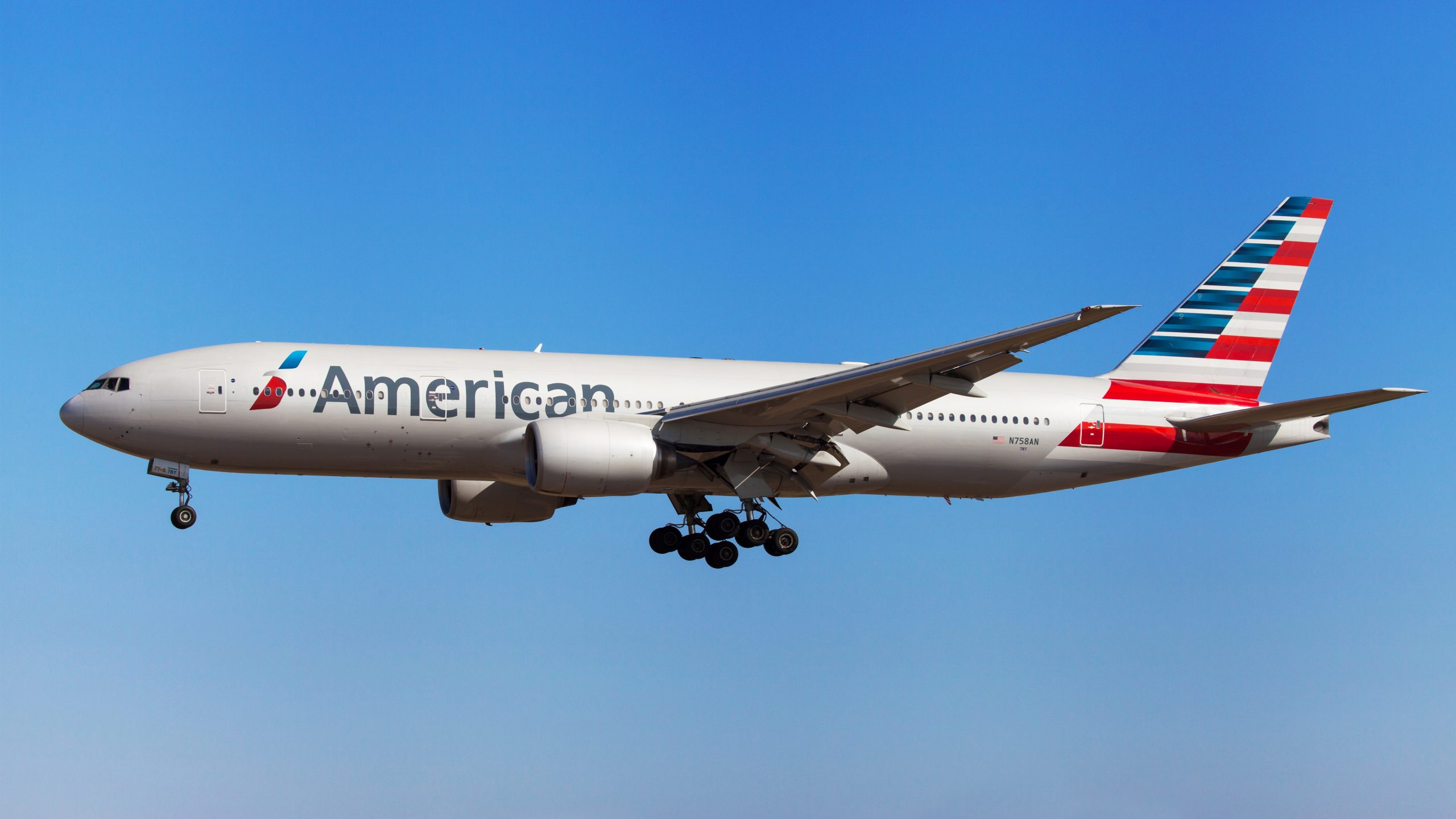 Chicago police remove 'disruptive passenger' that caused 'disturbance' on American Airlines flight