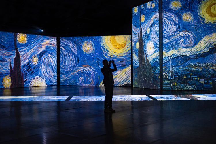 Van Gogh 'immersive experiences': a guide to the global battle now reaching London