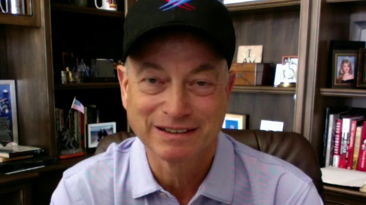 Gary Sinise reflects on visiting war zones