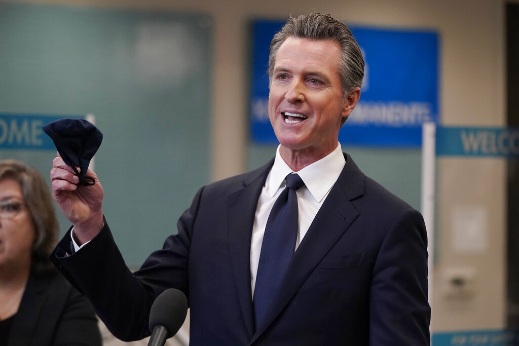 Recalling Newsom: Likely California voters split on ousting governor in new poll