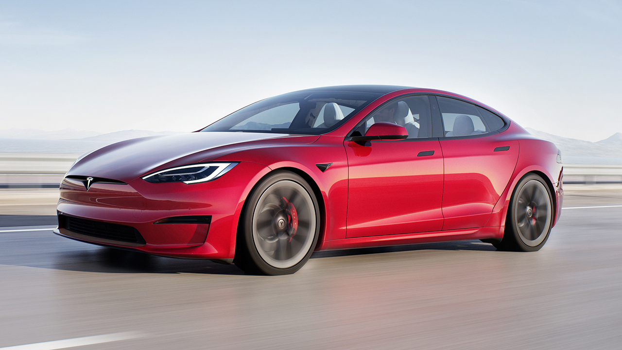 Tesla launches Full Self-Driving subscription for $99/$199 per month